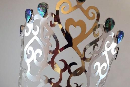 La Corona de MISS MUNDO ALEMANIA 2018 fué realizada por una alumna de la Escuela Técnica de Joyería del Atlántico de Vigo. Ciclos Oficiales de joyería Artística